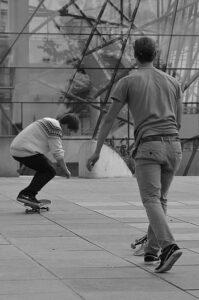 electric skateboard braking